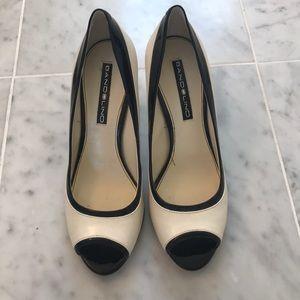 Women's Bandolino peep toe pumps, size 7.5